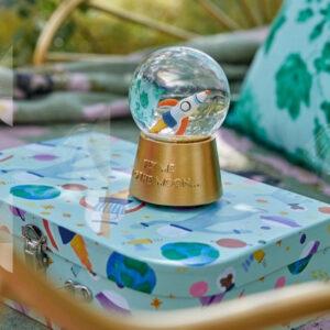 RICE DK – Carillon Snow globe con musica nello spazio