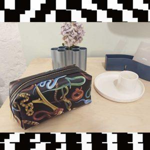 SELETTI- Toiletpaper  Wash Bag Snakes